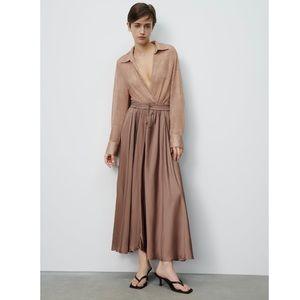 Wrinkled Satin Effect Skirt Size S NWT